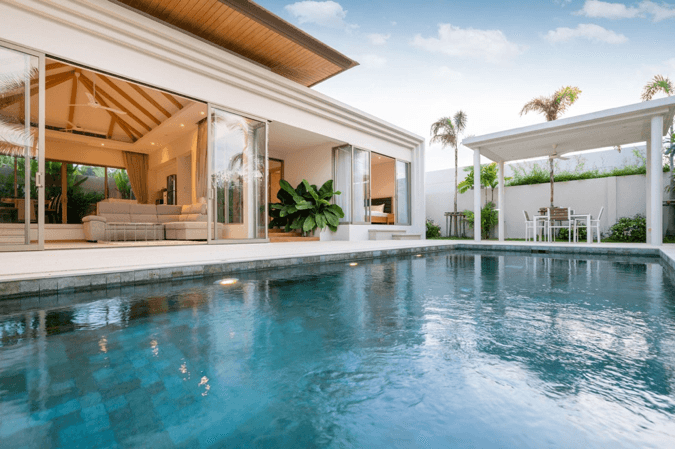 Tips for Property Maintenance in the Warmer Months in Florida